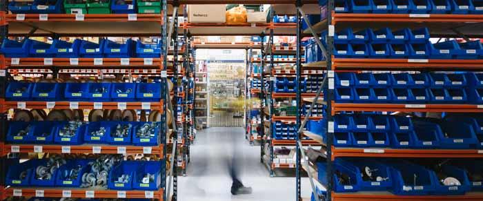 Gran almacén distribuidor de suministros industriales, ferreteria y bricolage